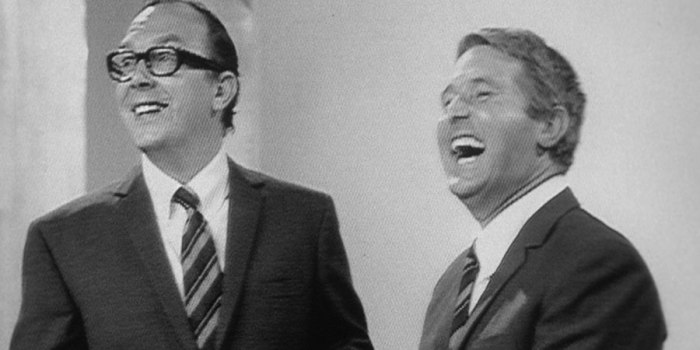 the_morecambe_wise_show_0105.jpg