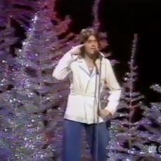 David Essex will make you a Christmas Star