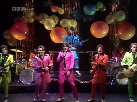 totp 77-01 - showaddywaddy